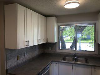 Photo 15: 15304 121 Street in Edmonton: Zone 27 House Half Duplex for sale : MLS®# E4202012