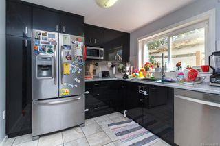 Photo 3: 2844 Sooke Rd in Langford: La Glen Lake House for sale : MLS®# 843656