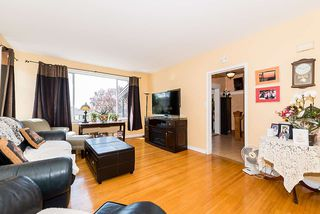 Photo 2: 557 E 56TH AVENUE in Vancouver: South Vancouver House for sale (Vancouver East)  : MLS®# R2385991