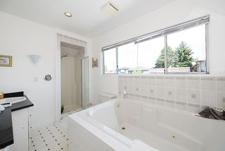Photo 13: 557 E 56TH AVENUE in Vancouver: South Vancouver House for sale (Vancouver East)  : MLS®# R2385991