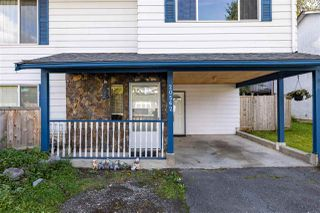 Photo 3: 20562 50A Avenue in Langley: Langley City House for sale : MLS®# R2507888
