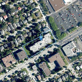 Photo 23: 109 1560 Hillside Ave in : Vi Oaklands Condo for sale (Victoria)  : MLS®# 858868