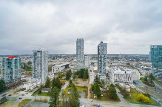 "Photo 12: 2411 13308 CENTRAL Avenue in Surrey: Whalley Condo for sale in ""Evolve"" (North Surrey)  : MLS®# R2448103"