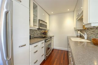 "Photo 12: 2301 OAK Street in Vancouver: Fairview VW Townhouse for sale in ""OAKVIEW TERRACE"" (Vancouver West)  : MLS®# R2470269"