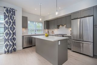 """Photo 7: 11 303 171 Street in Surrey: Pacific Douglas Townhouse for sale in """"FAIRWAYS"""" (South Surrey White Rock)  : MLS®# R2492203"""