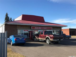 Photo 1: 116 2nd Avenue West in Wilkie: Commercial for sale : MLS®# SK830897