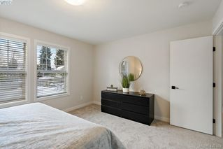 Photo 36: 1115 Lyall St in VICTORIA: Es Saxe Point Half Duplex for sale (Esquimalt)  : MLS®# 831612