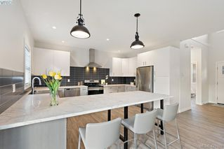 Photo 10: 1115 Lyall Street in VICTORIA: Es Saxe Point Half Duplex for sale (Esquimalt)  : MLS®# 420189