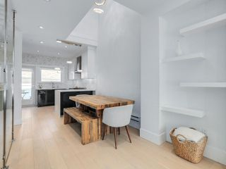 """Photo 5: 419 E 6TH Avenue in Vancouver: Mount Pleasant VE Townhouse for sale in """"6TH & GUELPH"""" (Vancouver East)  : MLS®# R2446729"""
