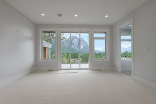 Photo 17: 2204 WINDSAIL Place in Squamish: Plateau House for sale : MLS®# R2464154