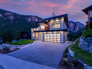Photo 33: 2204 WINDSAIL Place in Squamish: Plateau House for sale : MLS®# R2464154
