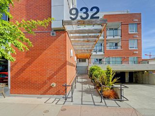 Photo 2: 201 932 Johnson St in Victoria: Vi Downtown Condo Apartment for sale : MLS®# 844483