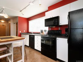 Photo 11: 201 932 Johnson St in Victoria: Vi Downtown Condo Apartment for sale : MLS®# 844483
