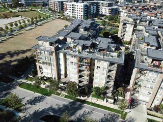 """Photo 4: PH11 3462 ROSS Drive in Vancouver: University VW Condo for sale in """"PRODIGY"""" (Vancouver West)  : MLS®# R2495035"""