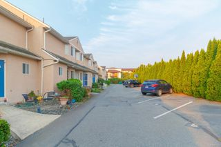 Photo 3: 7 1550 North Dairy Rd in : SE Cedar Hill Row/Townhouse for sale (Saanich East)  : MLS®# 857138