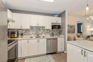 """Photo 8: 212 2558 PARKVIEW Lane in Port Coquitlam: Central Pt Coquitlam Condo for sale in """"THE CRESCENT"""" : MLS®# R2505348"""