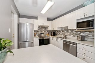 """Photo 10: 212 2558 PARKVIEW Lane in Port Coquitlam: Central Pt Coquitlam Condo for sale in """"THE CRESCENT"""" : MLS®# R2505348"""