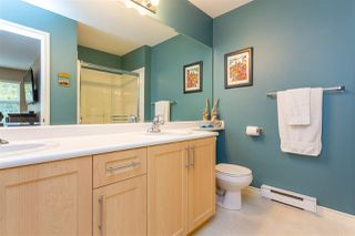 """Photo 22: 16 6050 166 Street in Surrey: Cloverdale BC Townhouse for sale in """"Westfield"""" (Cloverdale)  : MLS®# R2506257"""