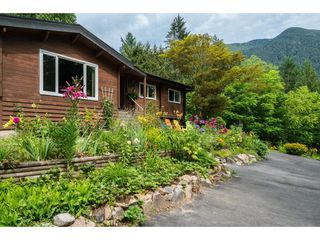 Photo 2: 36191 HARTLEY Road in Mission: Durieu House for sale : MLS®# R2391571