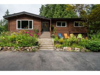Photo 1: 36191 HARTLEY Road in Mission: Durieu House for sale : MLS®# R2391571