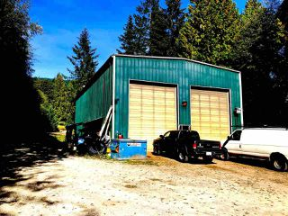 Photo 2: 1582 SUNSHINE COAST Highway in Gibsons: Gibsons & Area House for sale (Sunshine Coast)  : MLS®# R2508634