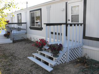 Photo 3: 5005 56 Street: Elk Point Manufactured Home for sale : MLS®# E4223667