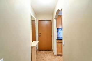 Photo 3: 703 2909 17 Avenue SW in Calgary: Killarney/Glengarry Apartment for sale : MLS®# A1056244