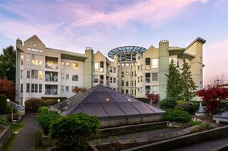 """Photo 4: 405 2585 WARE Street in Abbotsford: Central Abbotsford Condo for sale in """"THE MAPLES"""" : MLS®# R2418849"""