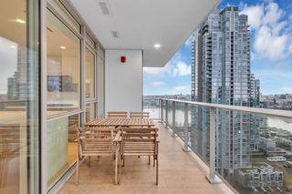 "Photo 4: 2001 499 PACIFIC Street in Vancouver: Yaletown Condo for sale in ""The Charleson"" (Vancouver West)  : MLS®# R2456013"