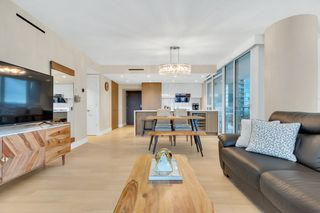 "Photo 10: 2001 499 PACIFIC Street in Vancouver: Yaletown Condo for sale in ""The Charleson"" (Vancouver West)  : MLS®# R2456013"