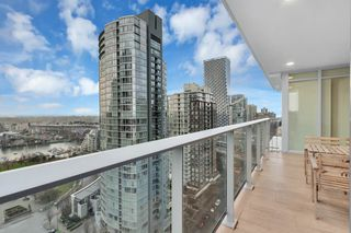 "Photo 5: 2001 499 PACIFIC Street in Vancouver: Yaletown Condo for sale in ""The Charleson"" (Vancouver West)  : MLS®# R2456013"