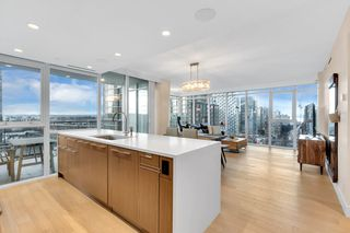 "Photo 1: 2001 499 PACIFIC Street in Vancouver: Yaletown Condo for sale in ""The Charleson"" (Vancouver West)  : MLS®# R2456013"
