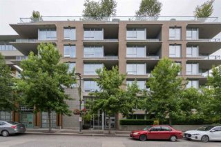"Photo 3: 203 3382 WESBROOK Mall in Vancouver: University VW Condo for sale in ""Tapestry at Wesbrook"" (Vancouver West)  : MLS®# R2470195"