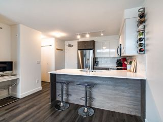 """Photo 9: 507 2525 CLARKE Street in Port Moody: Port Moody Centre Condo for sale in """"THE STRAND"""" : MLS®# R2493487"""