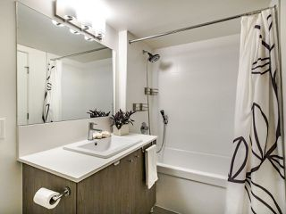 """Photo 12: 507 2525 CLARKE Street in Port Moody: Port Moody Centre Condo for sale in """"THE STRAND"""" : MLS®# R2493487"""