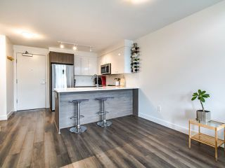 """Photo 8: 507 2525 CLARKE Street in Port Moody: Port Moody Centre Condo for sale in """"THE STRAND"""" : MLS®# R2493487"""