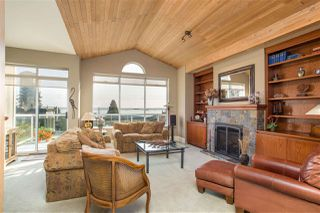 Photo 2: 2317 MARINE Drive in West Vancouver: Dundarave 1/2 Duplex for sale : MLS®# R2504990