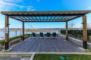 """Photo 12: 907 668 COLUMBIA Street in New Westminster: Quay Condo for sale in """"TRAPP + HOLBROOK"""" : MLS®# R2512551"""