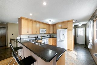 Photo 12: 18512 61 Avenue in Edmonton: Zone 20 House for sale : MLS®# E4172293