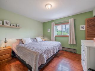 Photo 4: 5449 DERBY Road in Sechelt: Sechelt District House for sale (Sunshine Coast)  : MLS®# R2407433