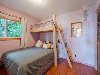 Photo 5: 5449 DERBY Road in Sechelt: Sechelt District House for sale (Sunshine Coast)  : MLS®# R2407433