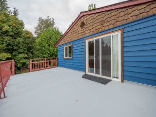 Photo 15: 5449 DERBY Road in Sechelt: Sechelt District House for sale (Sunshine Coast)  : MLS®# R2407433