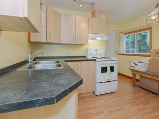 Photo 10: 5449 DERBY Road in Sechelt: Sechelt District House for sale (Sunshine Coast)  : MLS®# R2407433
