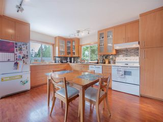 Photo 2: 5449 DERBY Road in Sechelt: Sechelt District House for sale (Sunshine Coast)  : MLS®# R2407433