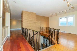 Photo 10: 667 BAYCREST Drive in North Vancouver: Dollarton House for sale : MLS®# R2414451