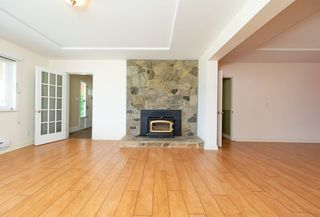 Photo 4: 667 BAYCREST Drive in North Vancouver: Dollarton House for sale : MLS®# R2414451