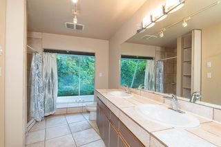 Photo 19: 667 BAYCREST Drive in North Vancouver: Dollarton House for sale : MLS®# R2414451