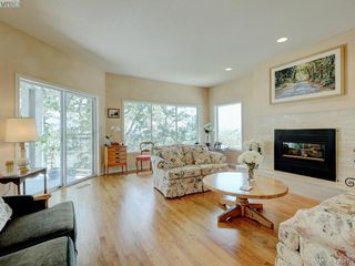 Photo 4: 4626 Boulderwood Drive in VICTORIA: SE Broadmead Single Family Detached for sale (Saanich East)  : MLS®# 420472