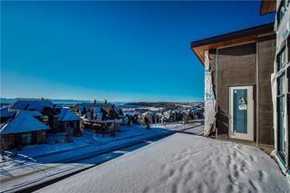 Photo 3: 200 ELKTON Close SW in Calgary: Springbank Hill Detached for sale : MLS®# C4286387