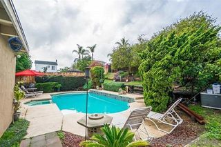 Photo 3: CHULA VISTA House for sale : 4 bedrooms : 381 E Millan St
